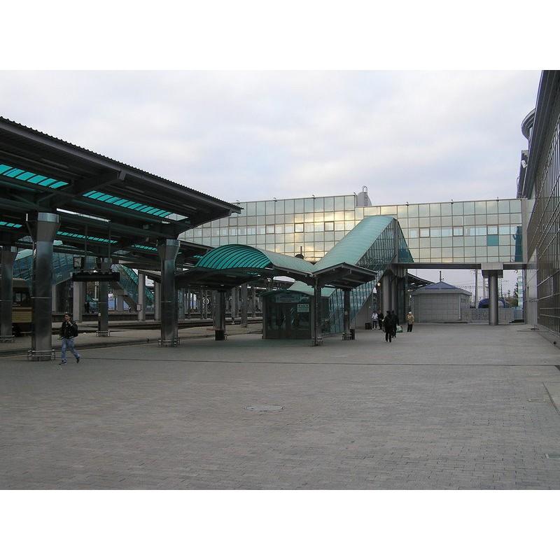 Перекрытие конкорсов и перрона вокзала в Донецке, 2012г.